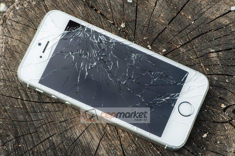 iPhone 5s LCD Ekran Değişimi Fiyatı Kadıköy