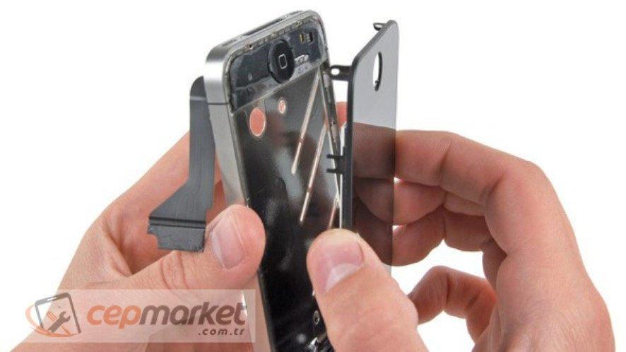 iPhone Ön Cam Kırıldı Nerede Bulunur?